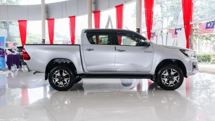 Toyota Hilux 2019 Exterior 003