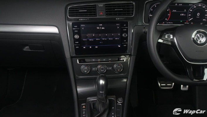 Volkswagen Golf 2019 Interior 010
