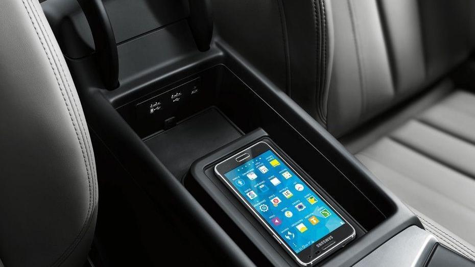 Audi A4 2019 Interior 010
