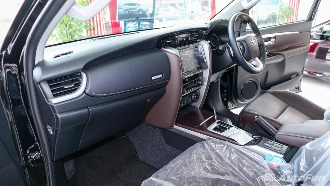 Toyota Fortuner 2019 Interior 004