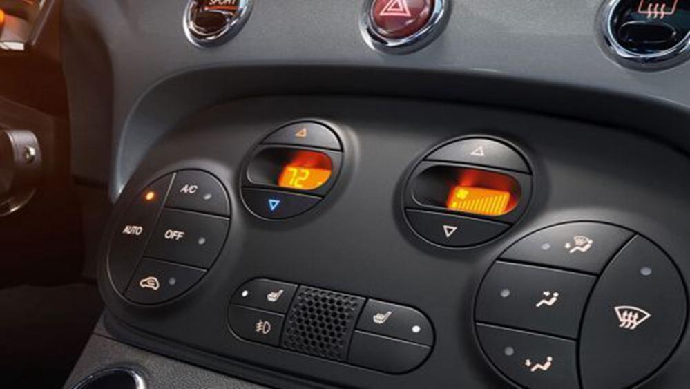 Fiat 500 2019 Interior 006