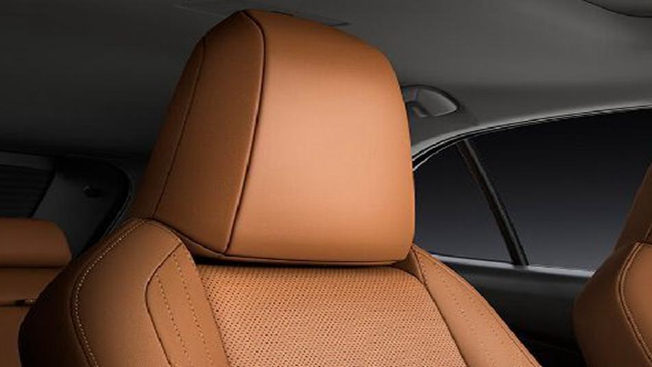 Lexus UX 2019 Interior 010