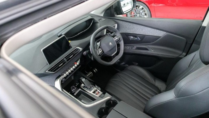 Peugeot 5008 2019 Interior 004