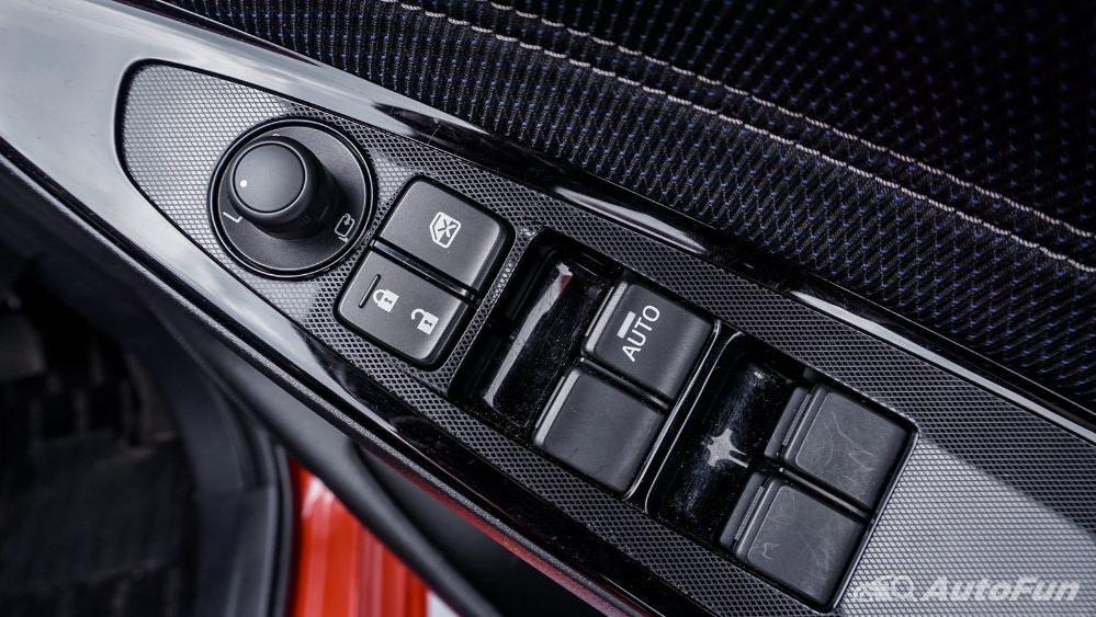 Mazda 2 GT AT Interior 042