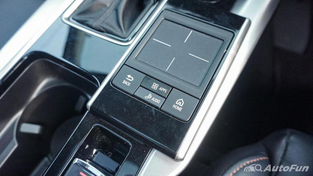 Mitsubishi Eclipse Cross 1.5L Interior 034