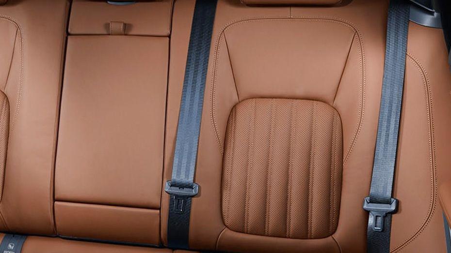 Jaguar F-PACE 2019 Interior 008