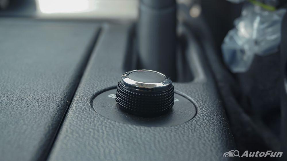 Renault Triber RXZ MT Interior 014