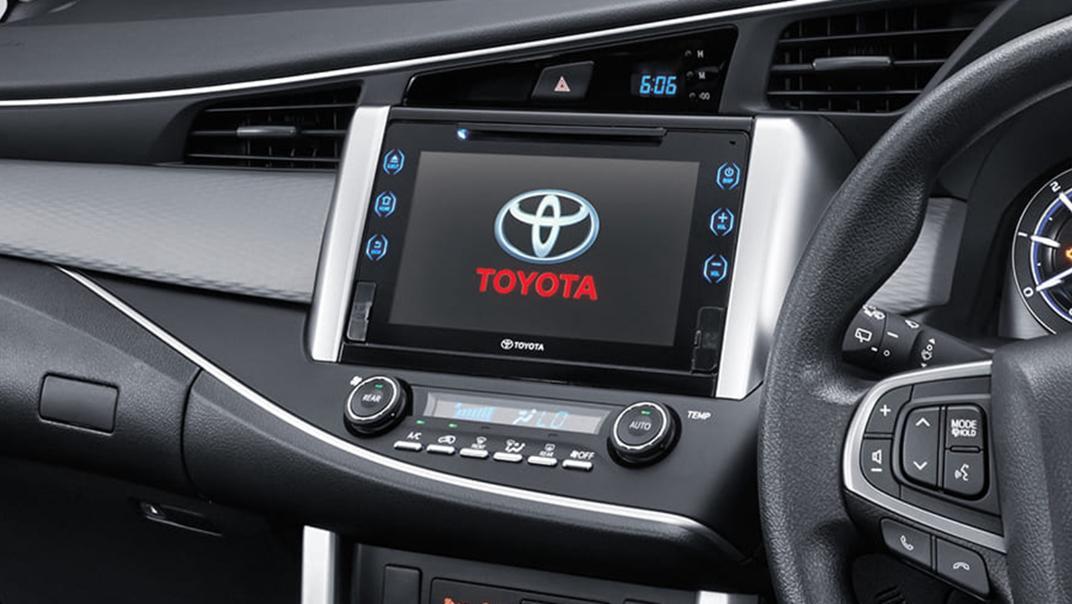 2020 Toyota Kijang Innova 2.0 V Luxury A/T Interior 002