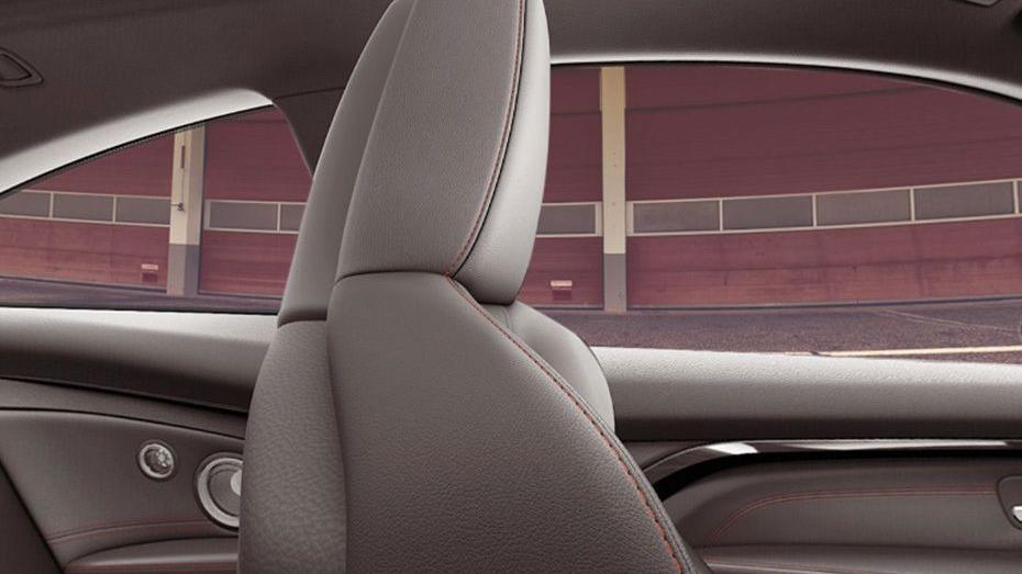BMW M4 Coupe 2019 Interior 011