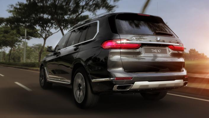 2021 BMW X7 xDrive40i Opulence Exterior 004
