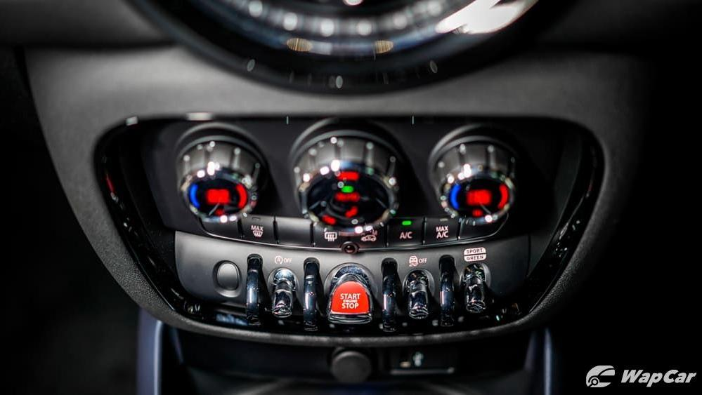 MINI Clubman 2019 Interior 006
