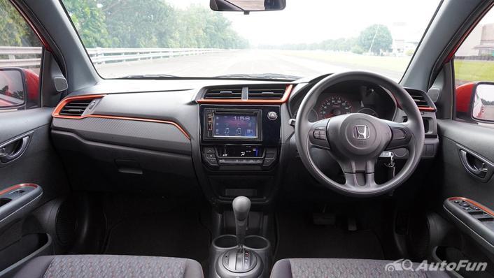 Honda Brio RS CVT Interior 001