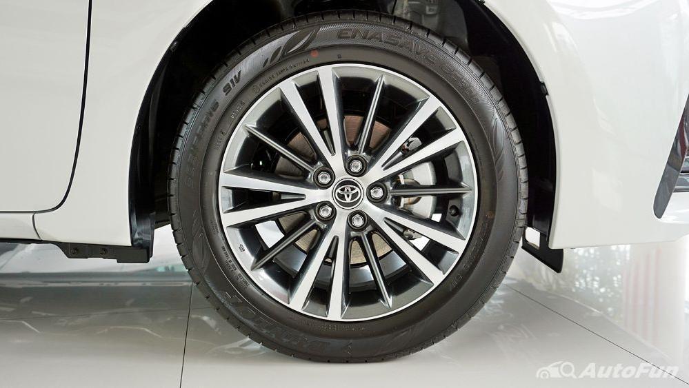 Toyota Corolla Altis 2019 Exterior 075