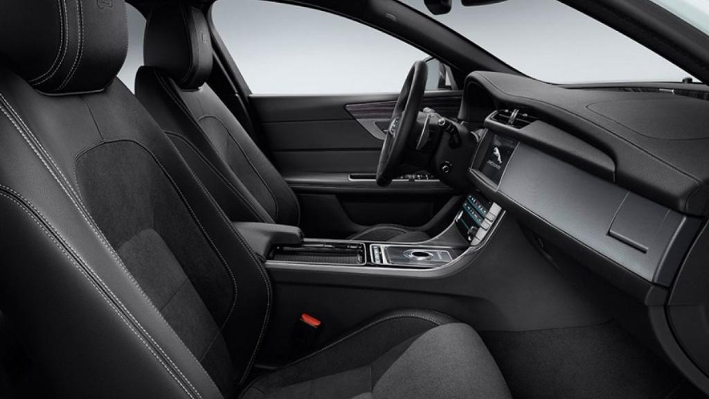 Jaguar XF 2019 Interior 009