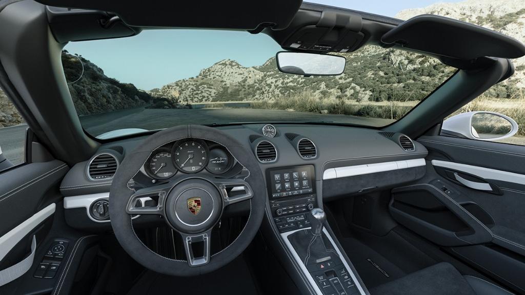Porsche 718 2019 Interior 001