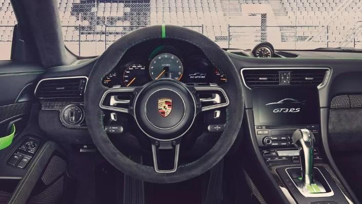 Porsche 911 2019 Interior 009