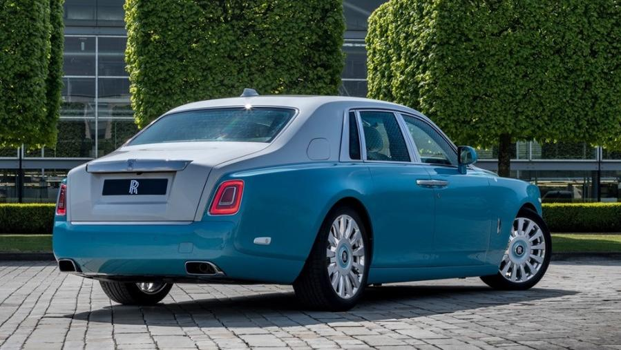 Rolls Royce Phantom 2019 Exterior 008