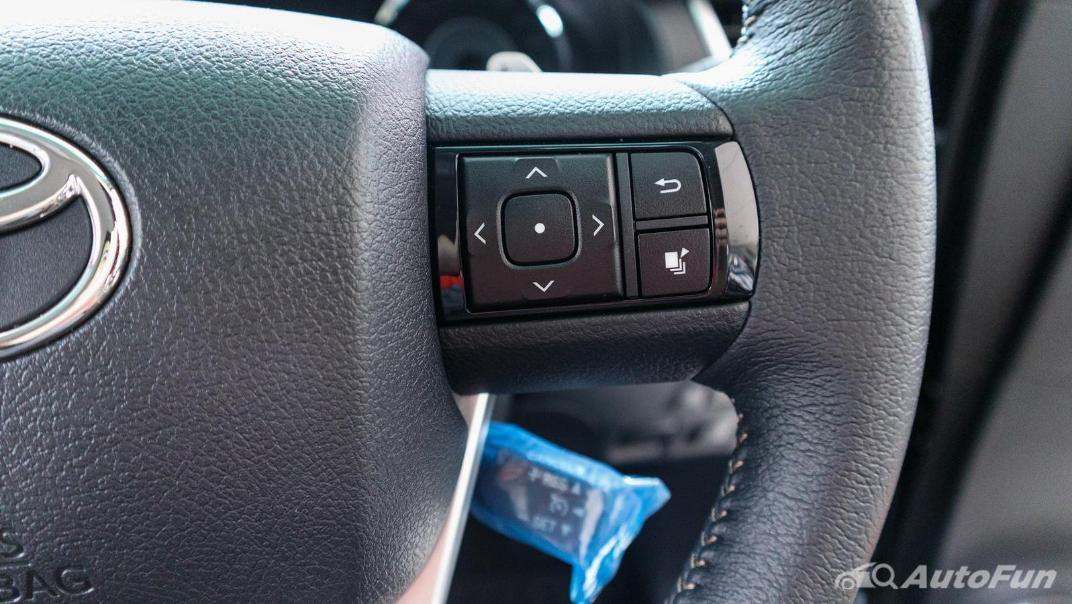 Toyota Fortuner 2019 Interior 008