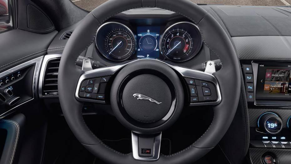 Jaguar F-TYPE 2019 Interior 006