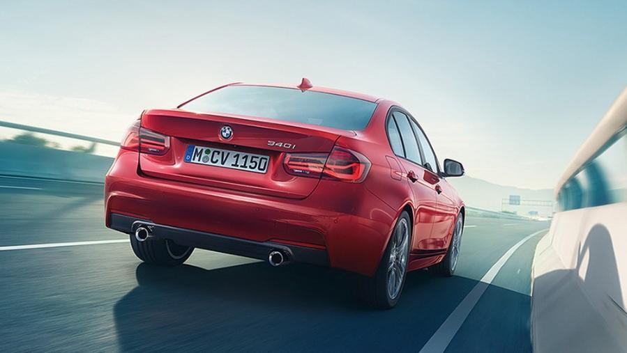 BMW 3 Series Sedan 2019 Exterior 014
