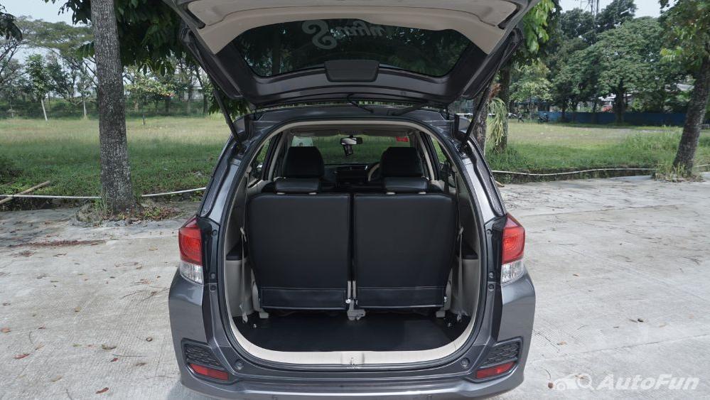 Honda Mobilio E CVT Interior 037