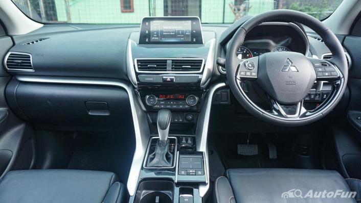 Mitsubishi Eclipse Cross 1.5L Interior 003