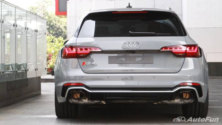 2021 Audi RS 4 Avant Exterior 005