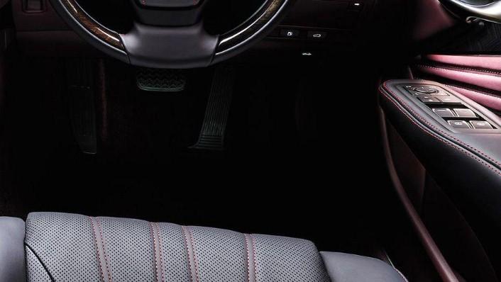 Lexus LS 2019 Interior 010