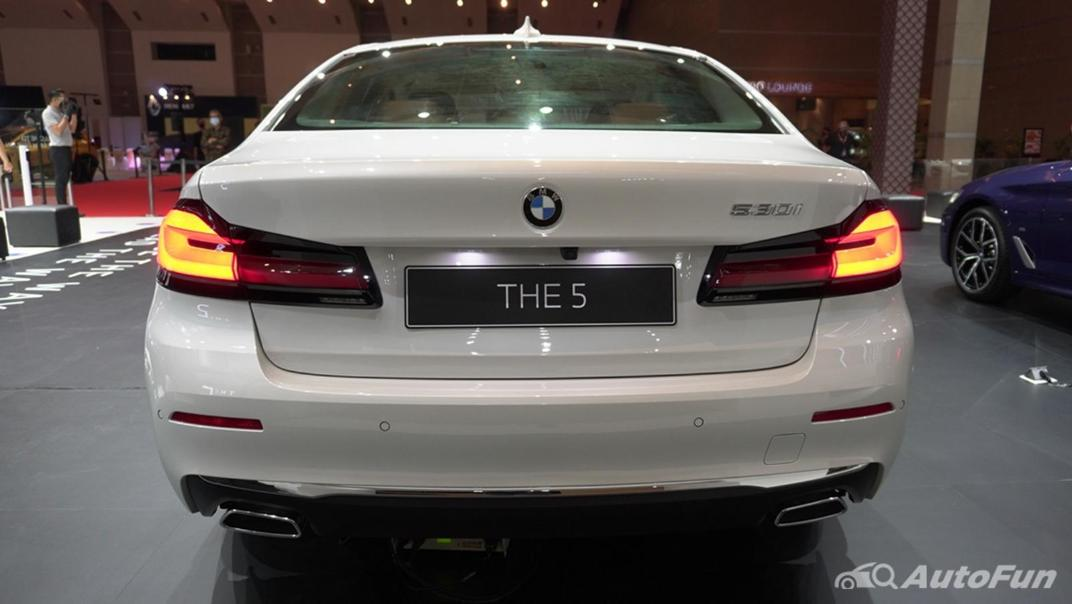 2021 BMW 5 Series Sedan Exterior 006