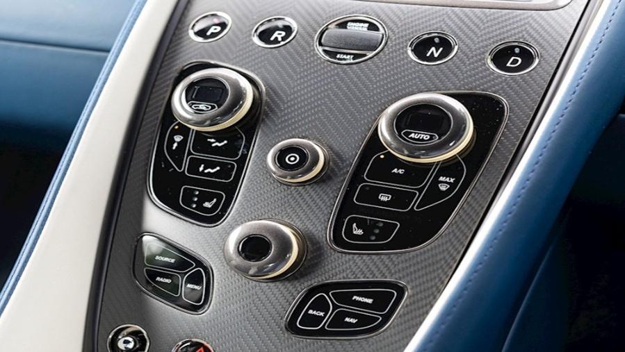 Aston Martin Vanquish 2019 Interior 004