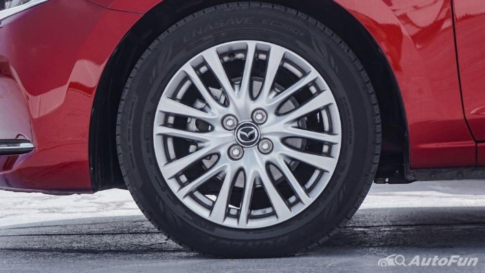 Mazda 2 GT AT Exterior 009