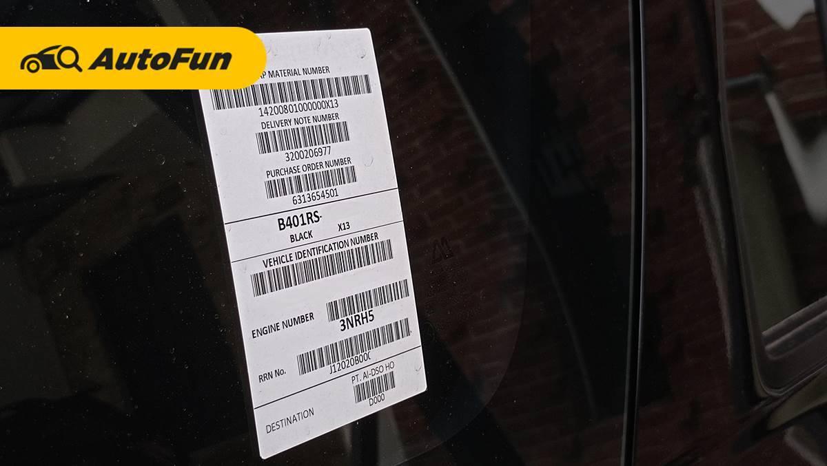Stiker Barcode di Kaca Mobil