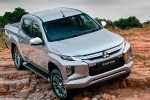 Uji Tanding Rasa Berkendara Mitsubishi Triton vs Toyota Hilux