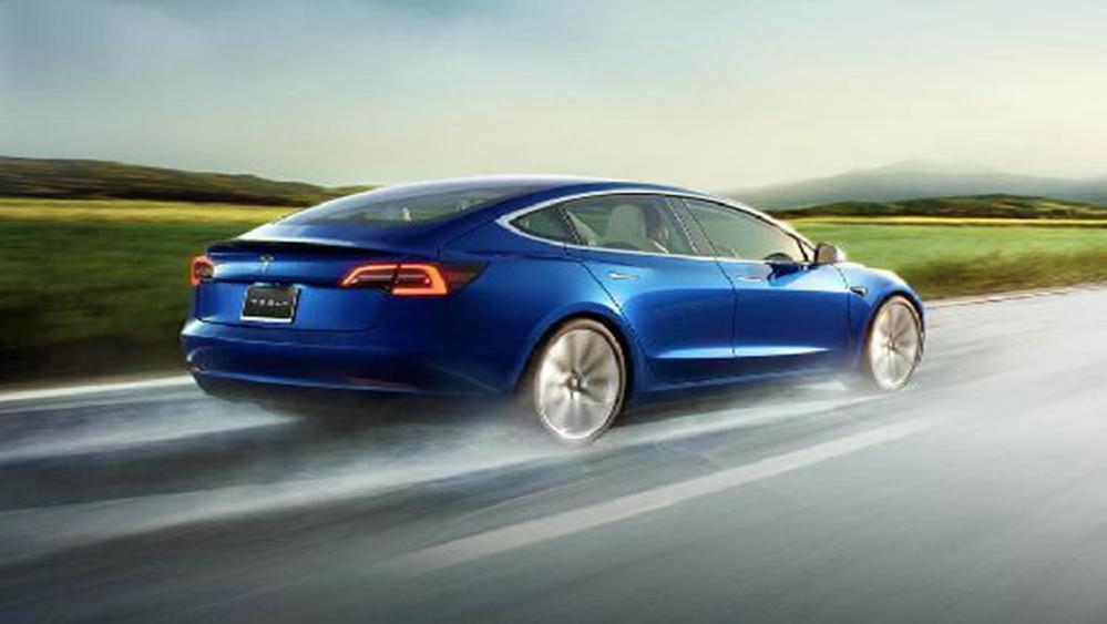 Tesla Model 3 2019 Exterior 012