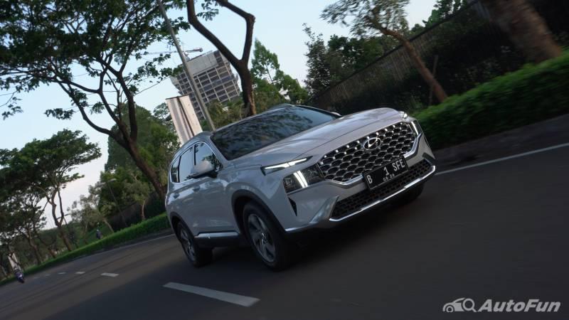 Review Hyundai Santa Fe: Varian Bermesin Bensin Suguhkan Kenyamanan Istimewa, Tapi Konsumsi BBM-nya.... 02
