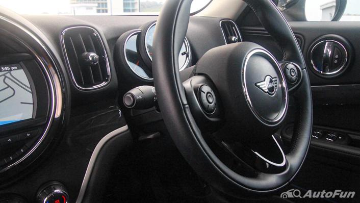 MINI Countryman Copper S Interior 005