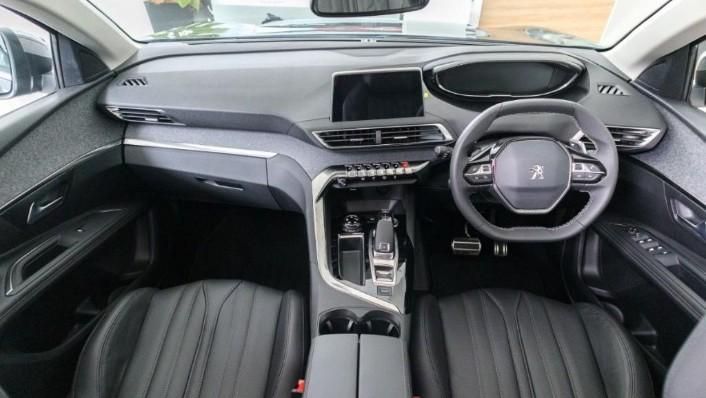 Peugeot 5008 2019 Interior 001