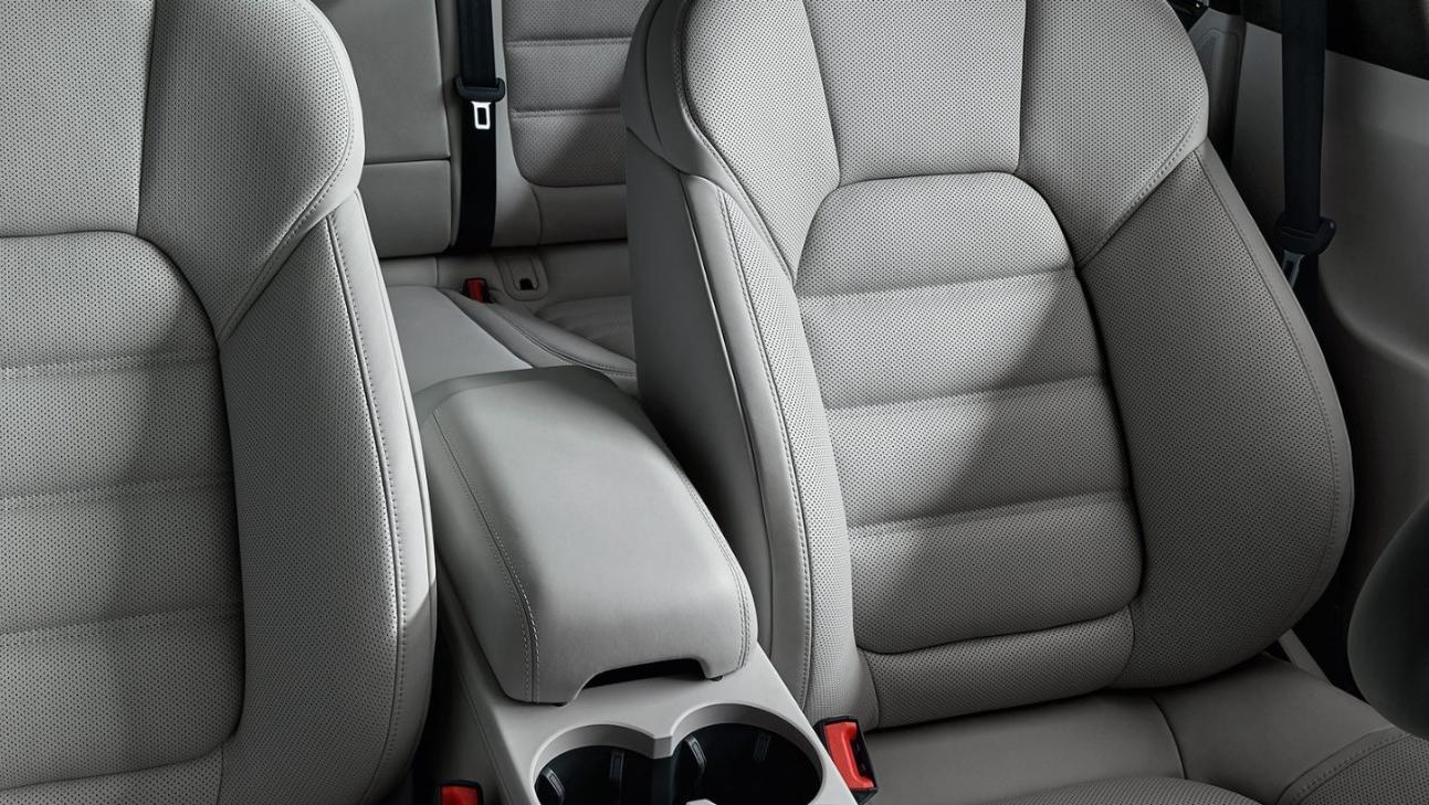 Porsche Macan 2019 Interior 008