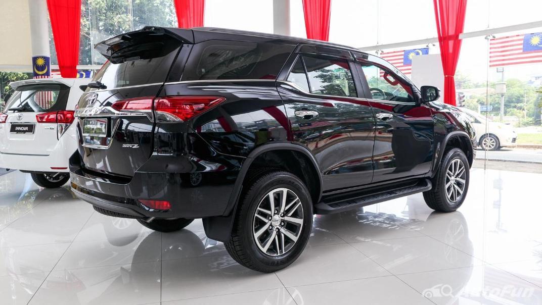 Toyota Fortuner 2019 Exterior 006