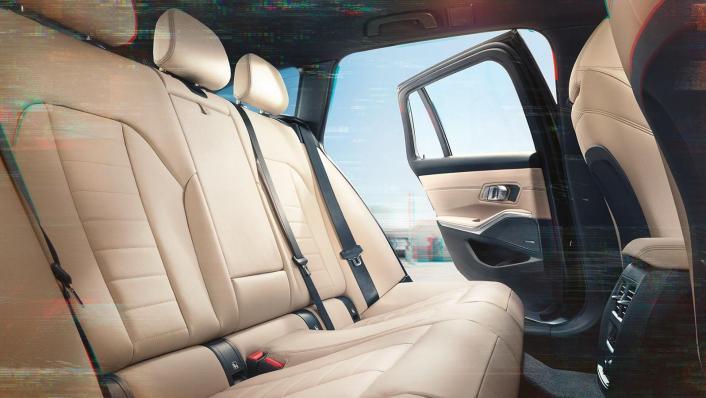 BMW 320i Touring M Sport Interior 005