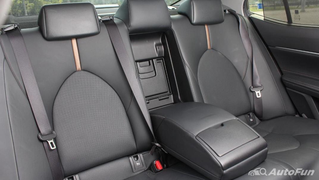 Toyota Camry 2019 Interior 073