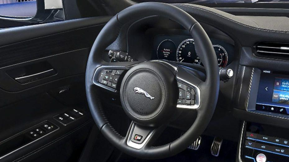 Jaguar XF 2019 Interior 002