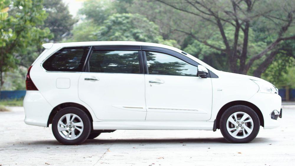 Toyota Avanza Veloz 1.3 MT Exterior 005