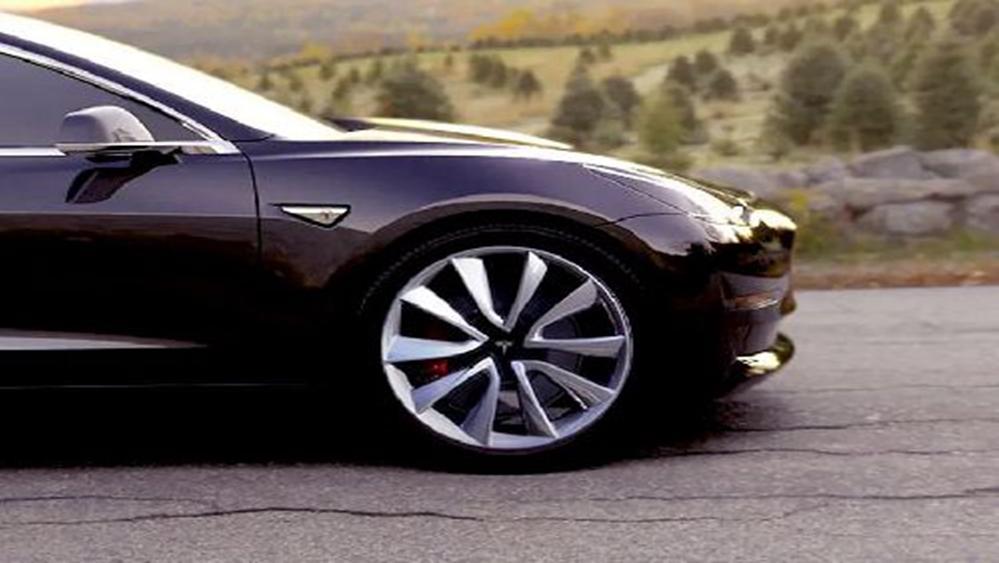 Tesla Model 3 2019 Exterior 008