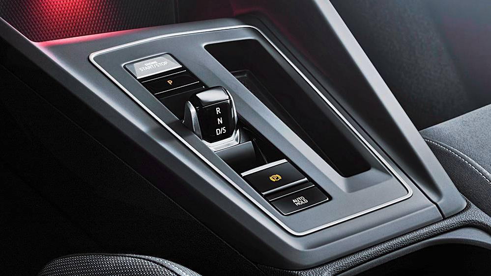 Volkswagen Golf 2019 Interior 085