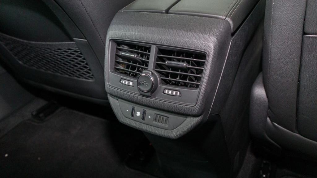 Peugeot 5008 2019 Interior 030