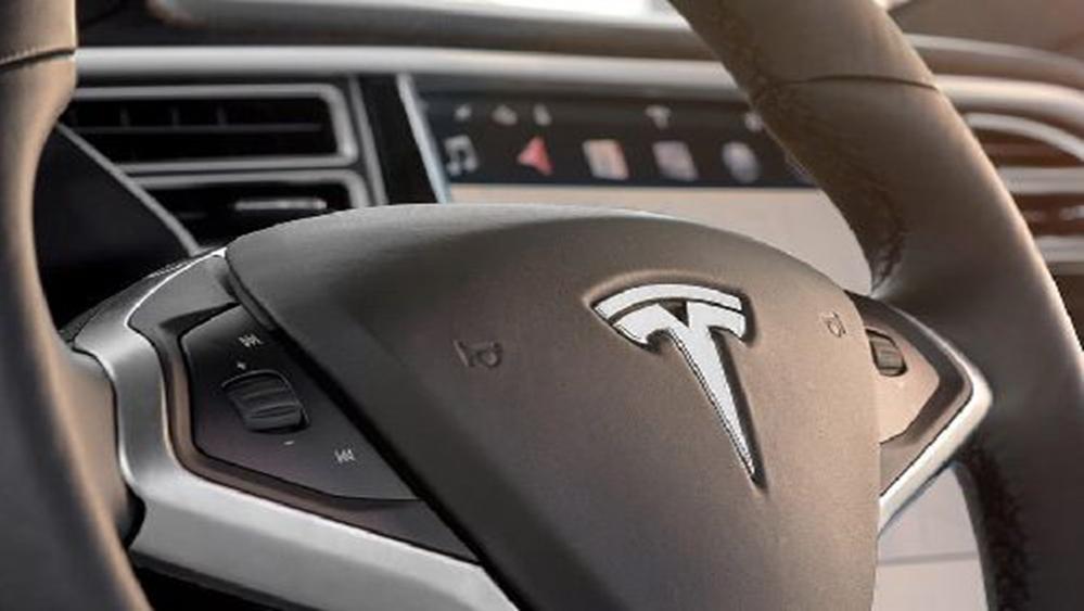 Tesla Model X 2019 Interior 003