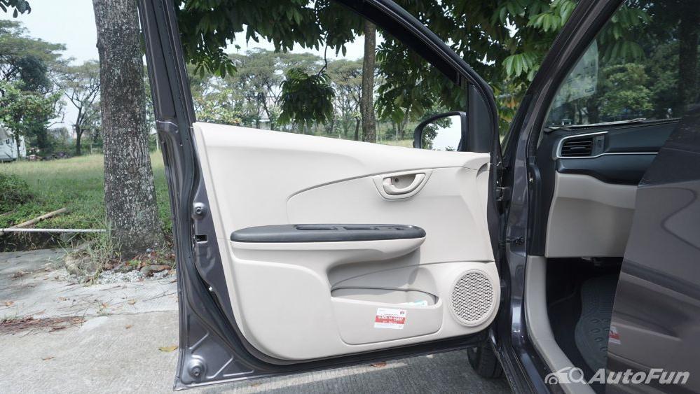 Honda Mobilio E CVT Interior 019
