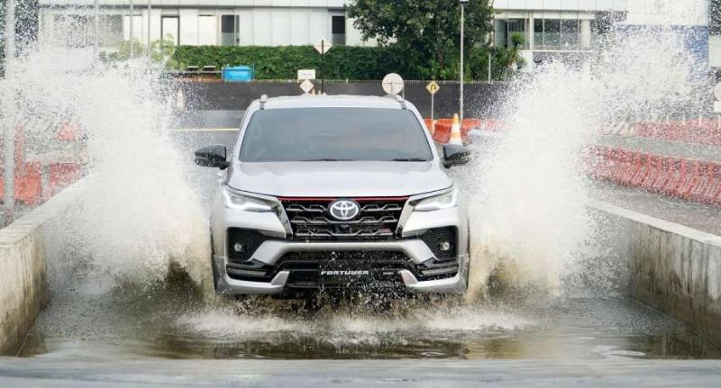 Harga Toyota Fortuner Diskon PPNBM, Siap Rebut Pasar Mitsubishi Pajero Sport dan Isuzu MU-X 02