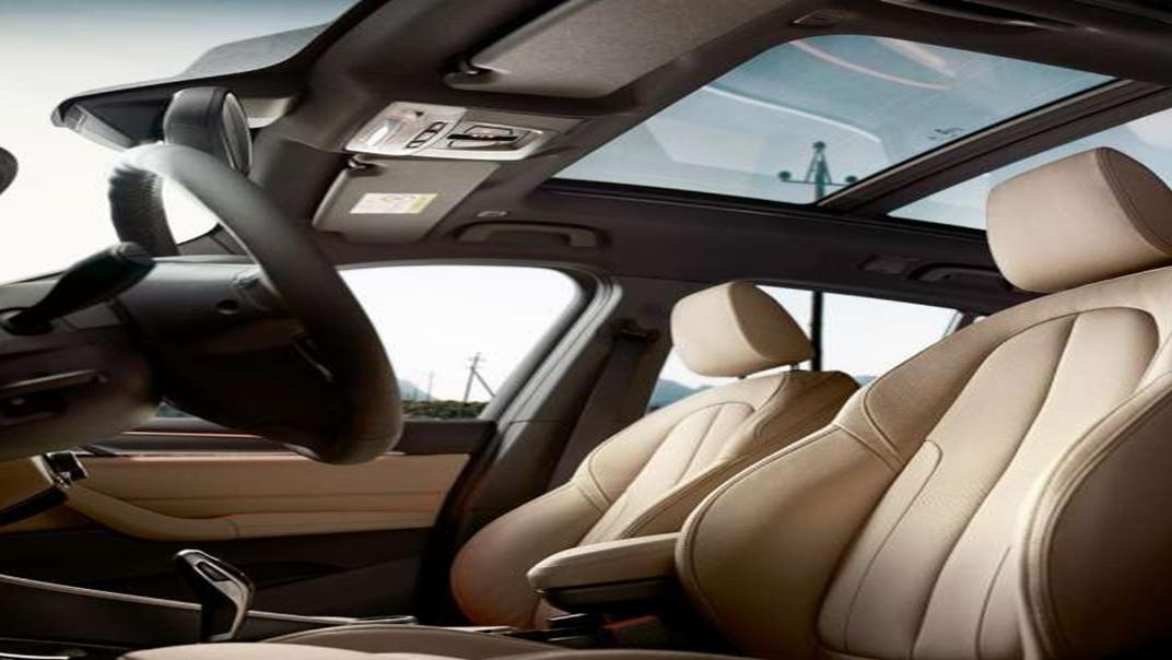 BMW X1 2020 sDrive18i xLine Interior 006